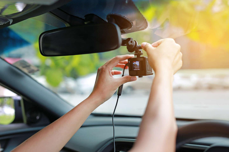 Kamery do auta – bezpečnosť na cestách, ktorá sa vyplatí