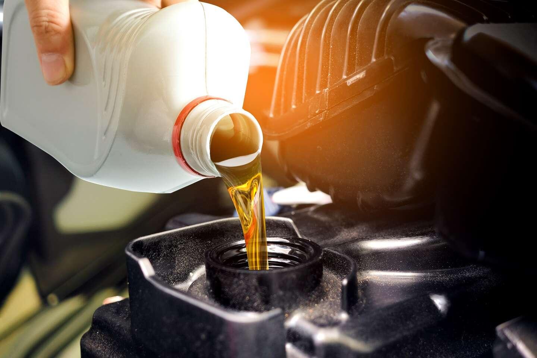 Výmena oleja + olejového filtra s možnosťou použitia vlastného materiálu