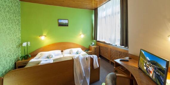 Víkendový pobyt v hoteli Flóra*** blízko centra Trenčianskych Teplíc s kúpaním a procedúrami/Trenčianske Teplice