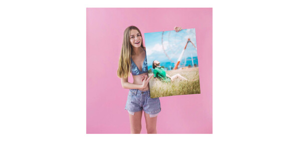 Vyberte své oblíbené fotografie a vytvořte si z nich působivé plátno plné fantazie či netradiční fotokoláže. Včetně největšího formátu na trhu - 130×87 + od 5 ks poštovné zdarma/ČR