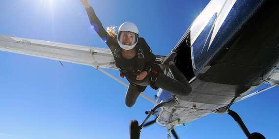 48 hodinový parašutistický výcvik zakončený jedním samostatným seskokem/Aeroklub Přibyslav
