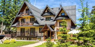 Hotel Willa pod Skocznią*** v Zakopanom, hneď vedľa penziónu Willi