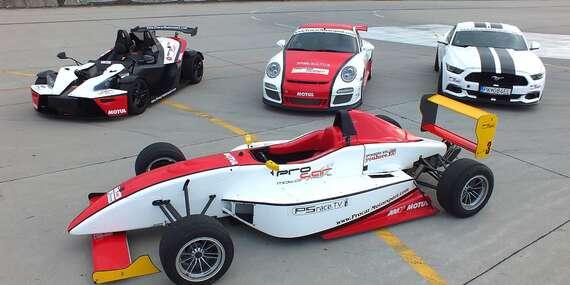Jazda na pretekárskom aute podľa výberu Formula, Porsche 911 v GT3 úprave alebo Mustang GT V8 / Letisko - Trenčín