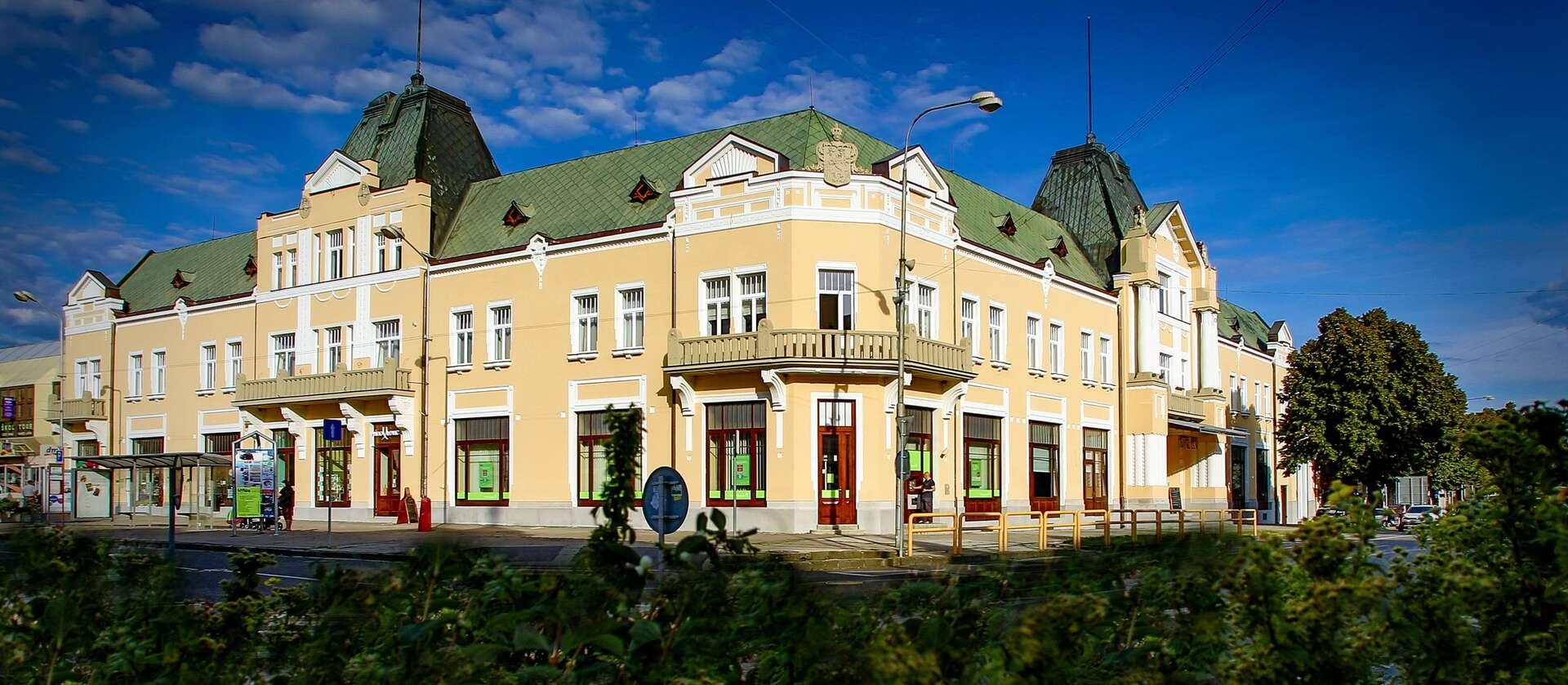 Relax s polpenziou v historickom hoteli Lev*** s možnosťou využiti...