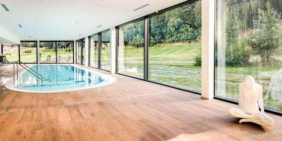 Rodinný pobyt s neomezeným wellness v luxusním 4* Cihelny Golf & Wellness Resort se snídaní, každodenním animačním programem a dítětem do 6 let zdarma / Karlovy Vary