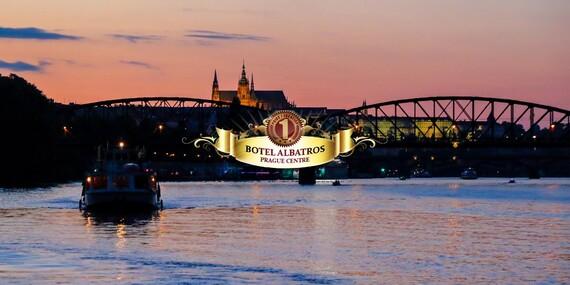 Romantika na Vltave priamo v centre Prahy s ubytovaním a večerou v boteli Albatros***/Česko - Praha