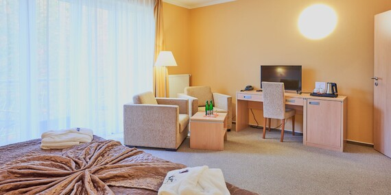 Relax v KurHotelu Brussel **** ve Františkových Lázních s plnou penzí, bazénem, saunou a lázeňskými procedurami/Františkovy Lázně