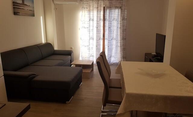 Slnečné Chorvátsko na 8 dní s ubytovaním v luxusnej Ville Starigrad I alebo II len 50 m od mora.