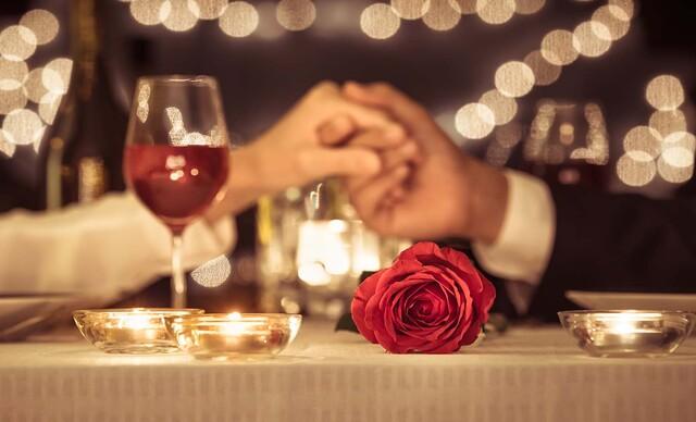 Romantická večera pre dvoch s dezertom a relaxom vo vírivke v hoteli Squash***