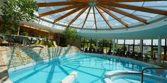 Relax s polpenziou, bazénom a kúpeľnými procedúrami v hoteli Flóra**/Dudince