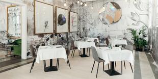 Jedinečné umelecké kúsky v hoteli vytvoril uznávaný slovinský umelec JAŠA