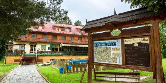 Zážitková dovolená v nedotčené beskydské přírodě s ubytováním v hotelu Cherry s polopenzí, vstupem do solné jeskyně i dítětem do 10 let zdarma u blízké přehrady / Horní Bečva