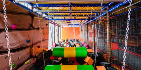 Dovádění na trampolínách v Jump Jump Jump - jednorázový vstup nebo více vstupů jako vánoční dárek/Praha