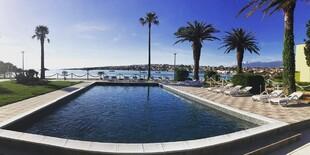 Osvieženie ponúka aj bazén v hoteli Liberty v Chorvátsku