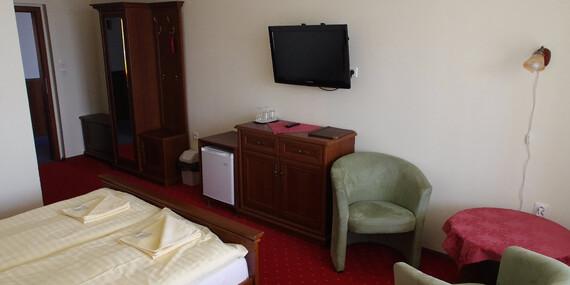 Oddych len 60 m od termálnych prameňov s blahodarnými účinkami v útulnom rodinnom hoteli Elenka***/Veľký Meder