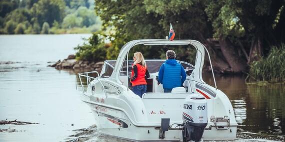 Štýlová plavba motorovým člnom po Dunaji až do Viedne s fľašou sektu pre 6 osôb/Bratislava – Dunaj