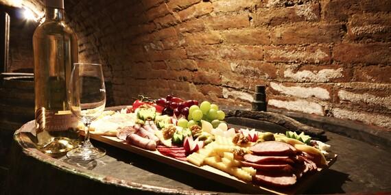 Vinařský pobyt na jižní Moravě v penzionu U Palečků s vinným sklepem, neomezenou konzumací vybraných vín s bohatým rautem a wellness / Jižní Morava - Zaječí