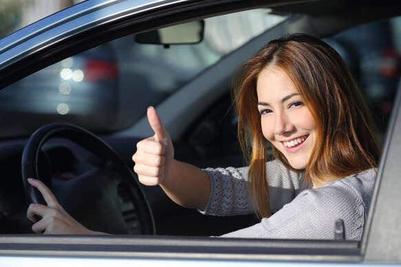 Vodičák pre teba a kamoša/ku za ešte výhodnejšiu cenu: Kurz autoškoly na skupinu B.