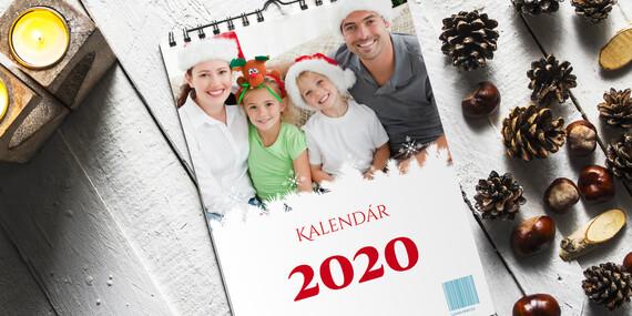 Nástenný fotokalendár s jednoduchou online editáciou fotografií, ktorú zvládne úplne každý/Slovensko