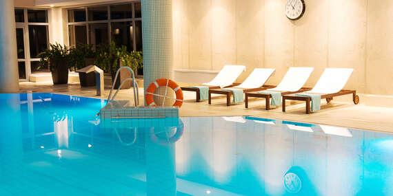 Luxus a relaxace v polském Hotelu Dwór Elizy*** v údolí Kladska s polopenzí, neomezeným wellness a platností do června 2021/Długopole Zdrój, Poľsko