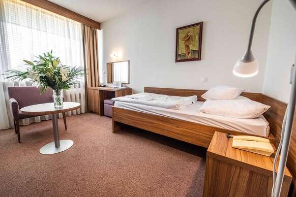 Kúpeľný pobyt v Dudinciach v Liečebnom ústave Diamant s procedúrami a plnou penziou na celý rok 2020.
