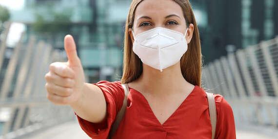 Respirátor FFP2 pro dospělé i děti bez výdechového ventilu s vysokou schopností zachytit viry a bakterie/Slovensko