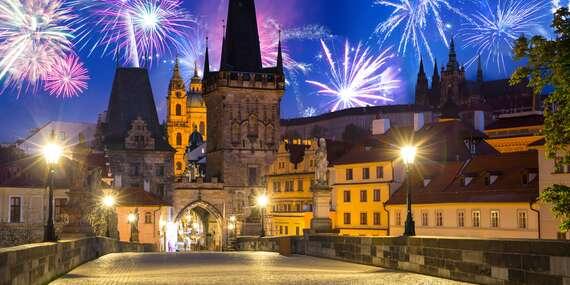 Advent či konec roku v hotelu Urban Creme v centru Prahy se snídaní i lahví vína/Praha