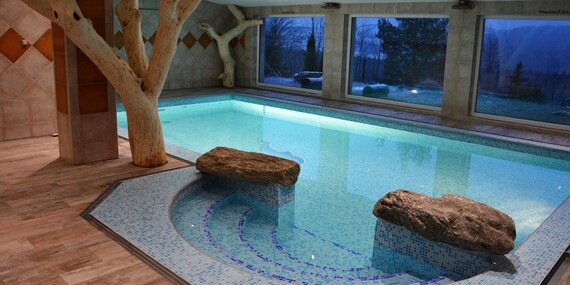 Hotel Podlesí s polopenzí, bazénem, ubytováním v krásném pokoji Lux a vstupem do pohádkové vesničky Podlesíčko/Vysočina / Ždárské Vrchy - Svratka