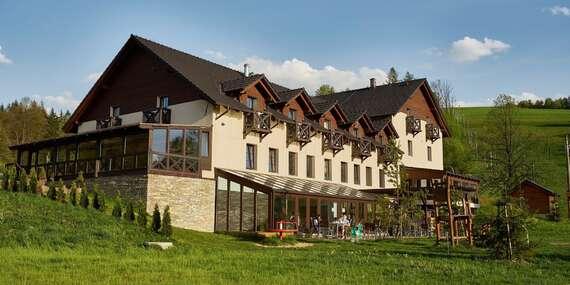 Neomezené letní wellness v Hotelu Kempa*** s polopenzí, výhledy na Beskydy a platností do prosince 2020 / Beskydy - Bukovec