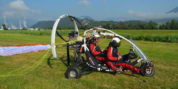 Nezabudnuteľný tandem motorový paragliding pri Bratislave + video/Letisko Dubová pri Modre