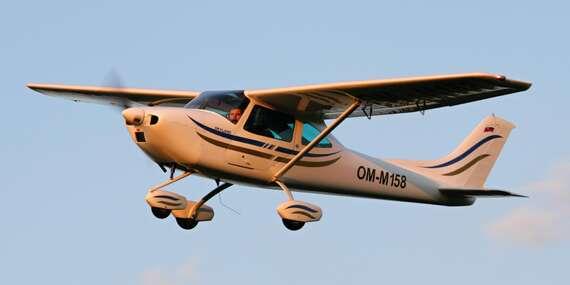 Klasický let športovým lietadlom s možnosťou pilotovania/Slovensko