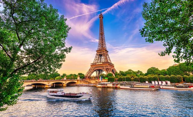 Paríž letecky priamo z Bratislavy s ubytovaním, profesionálnym sprievodcom, aj s možnosťou návštevy Disneylandu