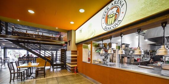 Hovädzí alebo kurací burger + Kofola alebo pivný špeciál/Bratislava – Staré Mesto