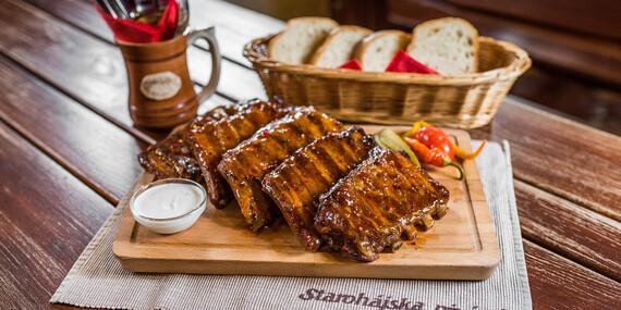 Pečené rebrá v v sladko-pikantnej marináde v Starohájskej pivárni/Bratislava – Petržalka