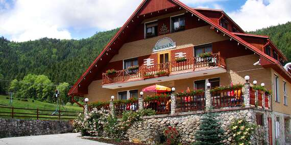 Oddych v panenskej prírode s polpenziou a bazénom v Horskom hoteli Gejdák*** s mini farmou/Ružomberok - Liptov