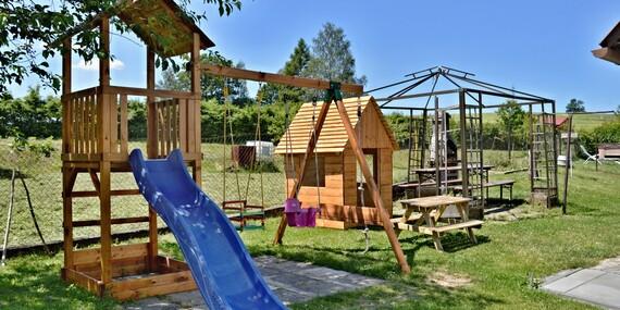 Dokonalý relax na Vysočine s vírivkou, saunou, masážou a polpenziou pre dvoch v chalupe Sofie/Česko - Vysočina