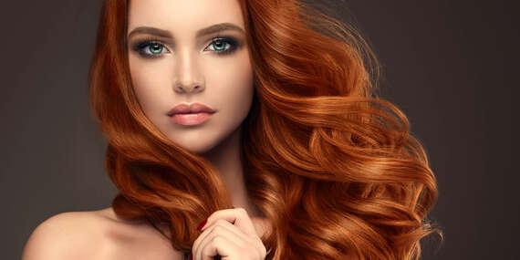 Dámsky strih s výživnou kúrou alebo farbenie vlasov v salóne EVELYN style/Žilina