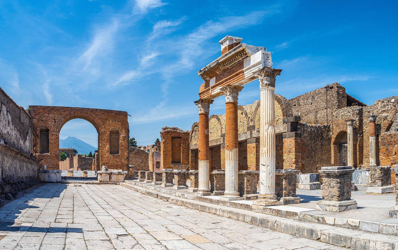 Úžasný 5-dňový letecký zájazd Neapol, Capri, Vezuv, Pompeje, A...