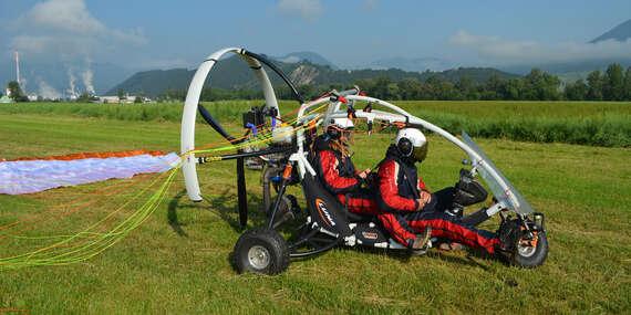 Tandemový motorový paragliding pri Bratislave s videozáznamom v cene / Slovensko - Letisko Dubová (pri Modre)