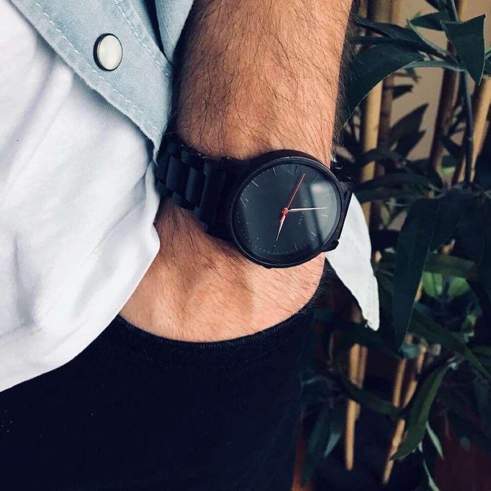 Unikátne drevené hodinky z ebenu, ananásových listov, javoru aleb...