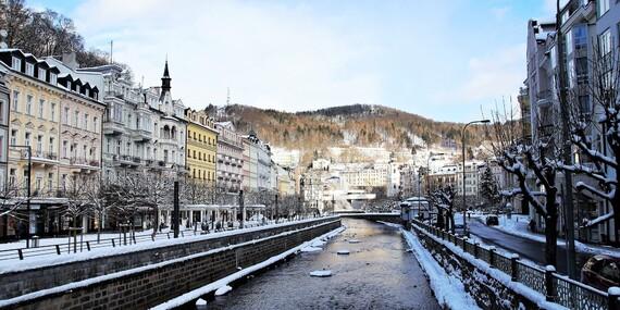 Karlovy Vary jako na dlani z rodinného hotelu Maltézský Kříž poblíž Vřídelní kolonády se snídaní i variantami s thajskou masáží a platností do června 2020 / Karlovy Vary