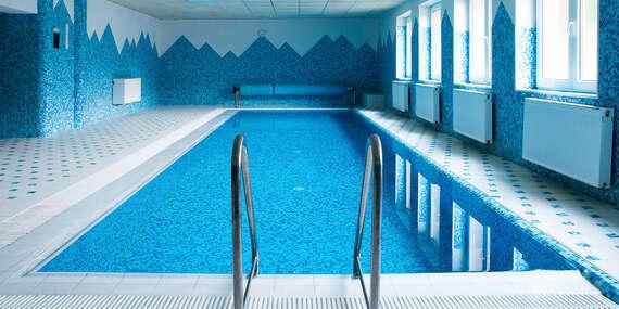 Dokonalé spojenie súkromia hôr priamo pod hrebeňom Javorníkov s relaxom v bazéne, masážou a polpenziou a obedovým balíčkom/Papradno - Kysuce