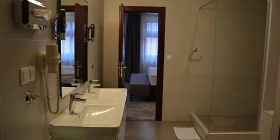 Romantika v HOTELI KULTÚRA***+ s wellness, masážou a romantickou večerou pre dvoch/Ružomberok