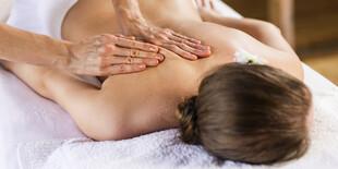 Možné vybrať si maséra alebo masérku, prípadne je možná aj párová masáž (masáž dvojice naraz)
