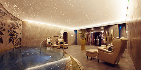 Romantický pobyt pre dvoch vBoutique Hoteli Zlatý Kľúčik****s neobmedzeným wellness, masážou a 5-chodovou večerou/Nitra