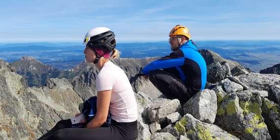 Výstup na Malý Ľadový štít s horským sprievodcom, druhý najvyšší vrchol v hrebeni Ľadového štítu/Slovensko