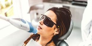 Neperoxidové šetrné bielenie zubov