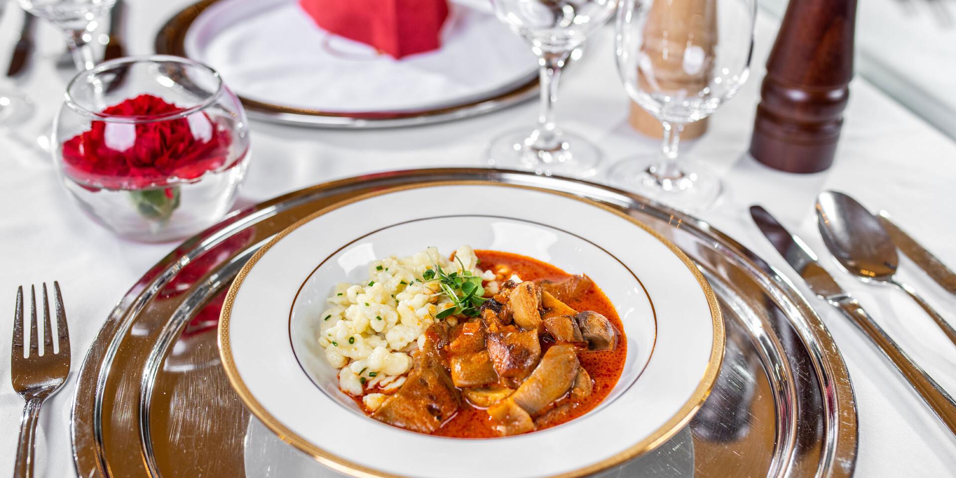 Degustačné 7-chodové menu v reštaurácii Hotela Devín**** inšpirované maďarskou kuchyňou