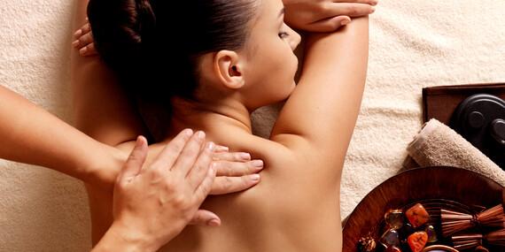 Celotelová thajská a reflexná masáž nôh alebo bylinková masáž / Trnava