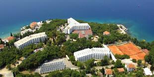 Dependencie Marina a Primorka** sú súčasťou hotelového komplexu Adriatic ** na ostrove Krk
